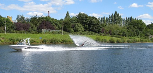 waterskiing slalom