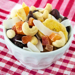 Müsli - Früchte und Nüsse