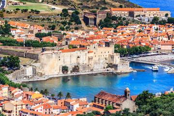 Collioure- Die Bucht mit Chateau Royal, Südfrankreich