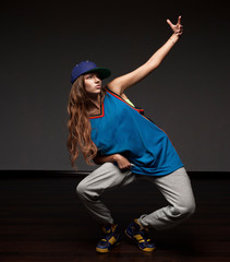 girl hip-hop dancer