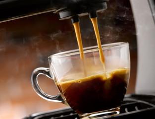 espresso caldo fumante