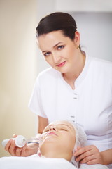 Anti-aging treatment at beauty treatment salon