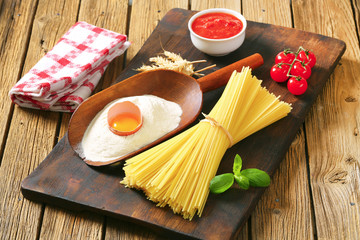 Dried spaghetti and other ingredients