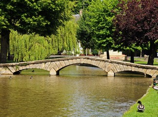 River Windrush, Bourton on the Water © Arena Photo UK