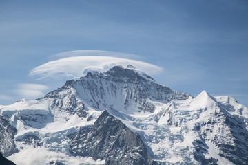 Jungfrau Gipfel in Wolken