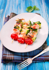 salmon kebab - skewers with zucchini and cherry tomatoes