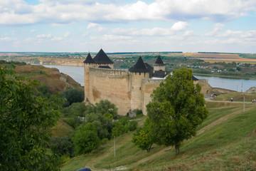 medieval_fortress_Hotiv