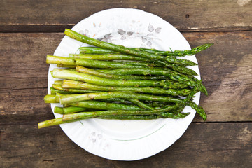 Grilled asparagus on a plate