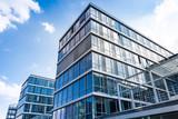 Bürogebäude -- modernes Gebäude