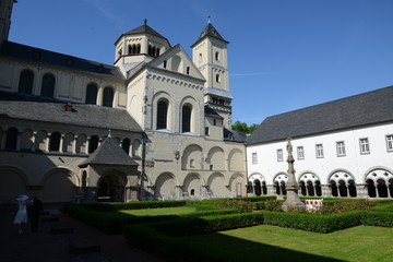 Pfarrkirche St. Nikolaus und Abtei Brauweiler