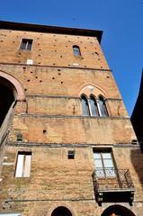 P.zza s. giovanni siena edifici storici