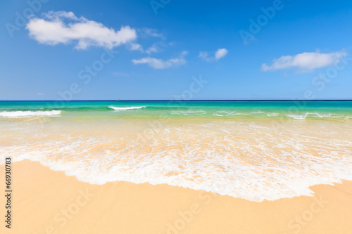 canvas print picture Beautiful ocean beach