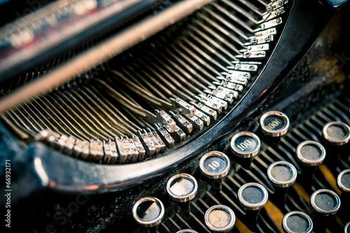 Types of Vintage Typewriter - 66932171