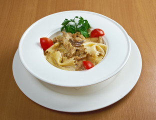 Farfalle pasta with vea