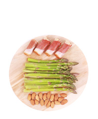 Platter with asparagus and prosciutto.