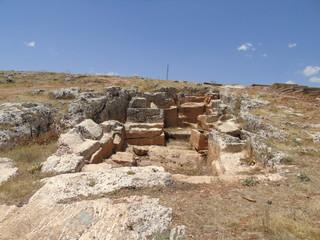 kaya mezarları