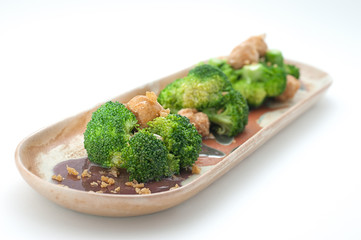 Steamed broccoli with meatballs