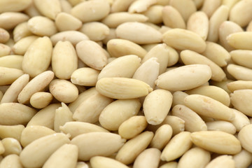 Shelled almonds kernel