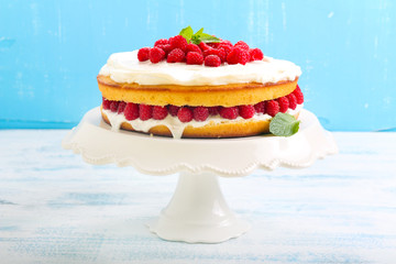 Lemon cake with raspberry