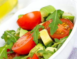 rugula avocado and tomato salad