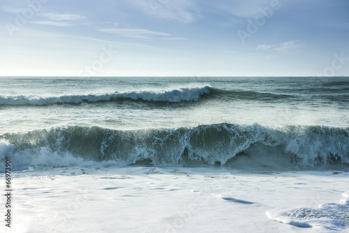 Fotobehang Golven Breaking ocean waves