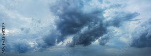 Leinwanddruck Bild Dark clouds