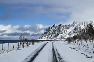 Wintereinbruch auf den Lofoten