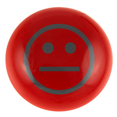 smiley neutre sur bouton rouge