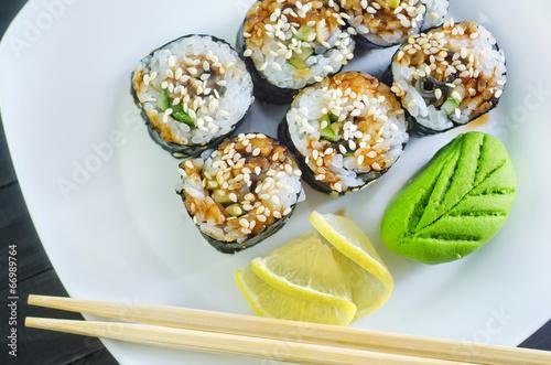 sushi - 66989764