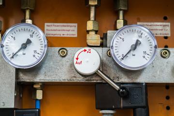 Manometer Luftdruckmesser