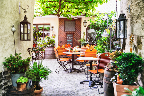 Summer cafe terrace - 67002774
