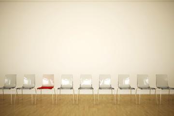 viele, fast gleiche Stühle