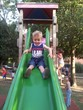 Bambini che giocano al parco