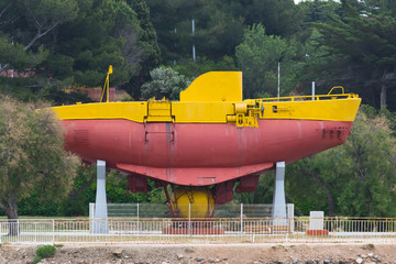 old bathyscaphe in Toulon Port