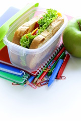 sandwich and green apple for a healthy school lunch