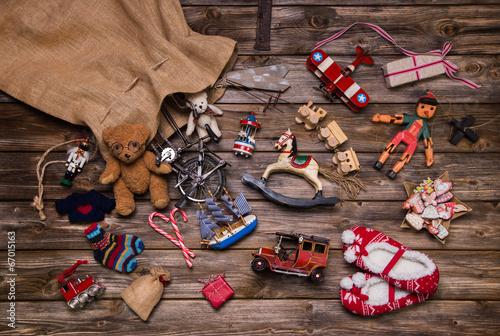 Leinwanddruck Bild Weihnachten Bescherung: alte Spielsachen aus Holz u, Blech
