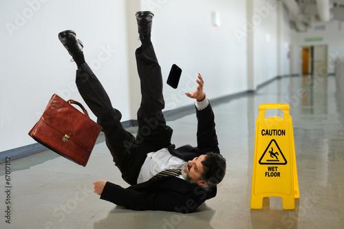 Businessman Falling - 67017182