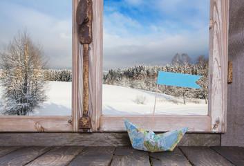 Winterlicher Hintergrund mit Schnee: Verreisen im Winter