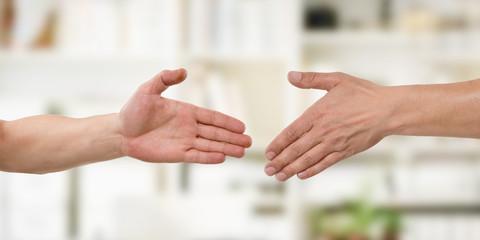 Partnerschaft - Hände reichen