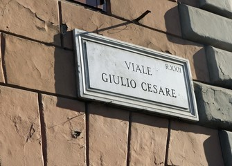 road sign indicating VIALE GIULIO CESARE in Rome