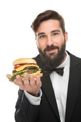 junger Gentleman mit Burger