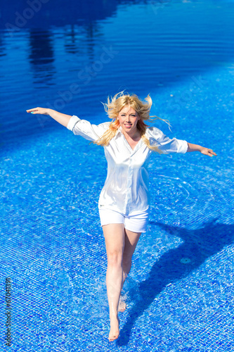 canvas print picture Beautiful girl enjoying the summer