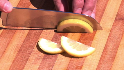 close up on lemon slicing