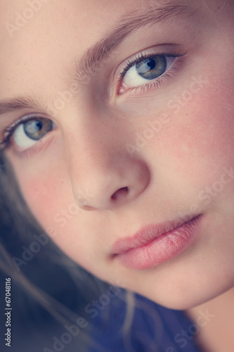 canvas print picture portrait of a young girl