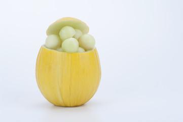 ciotola di melone giallo con bocconcini