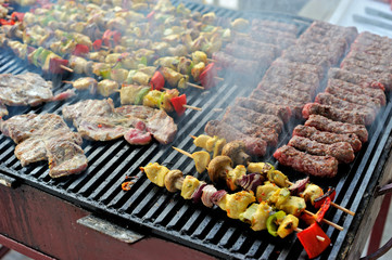 Barbecue meat and vegetables