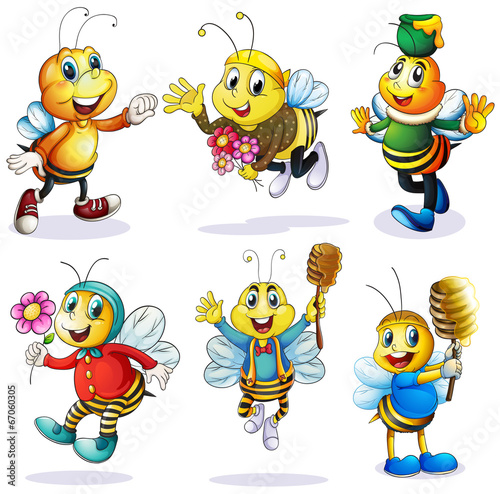 A group of happy bees - 67060305