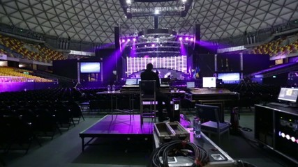 Lighting test in venue for concert with use of a dolly