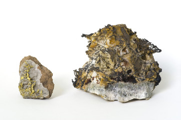 Native gold (Eritrea) and silver (Germany). 4.5 and 6cm high.