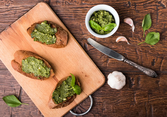 Bruschettas with pesto